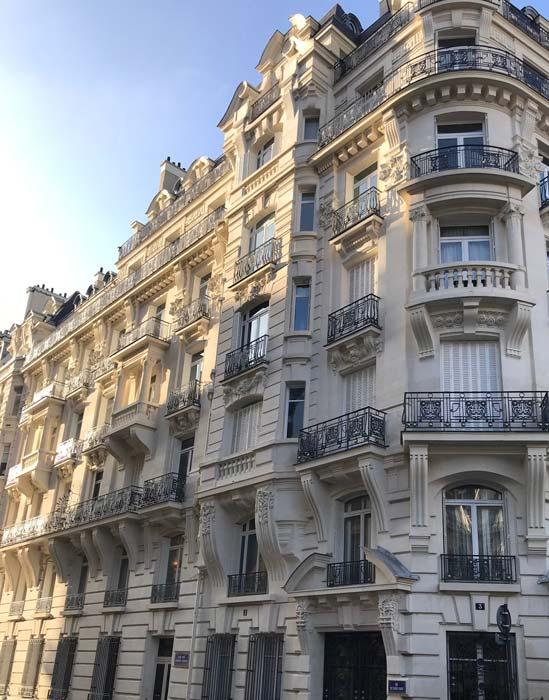 Persiennes rue des frères Perrier Paris